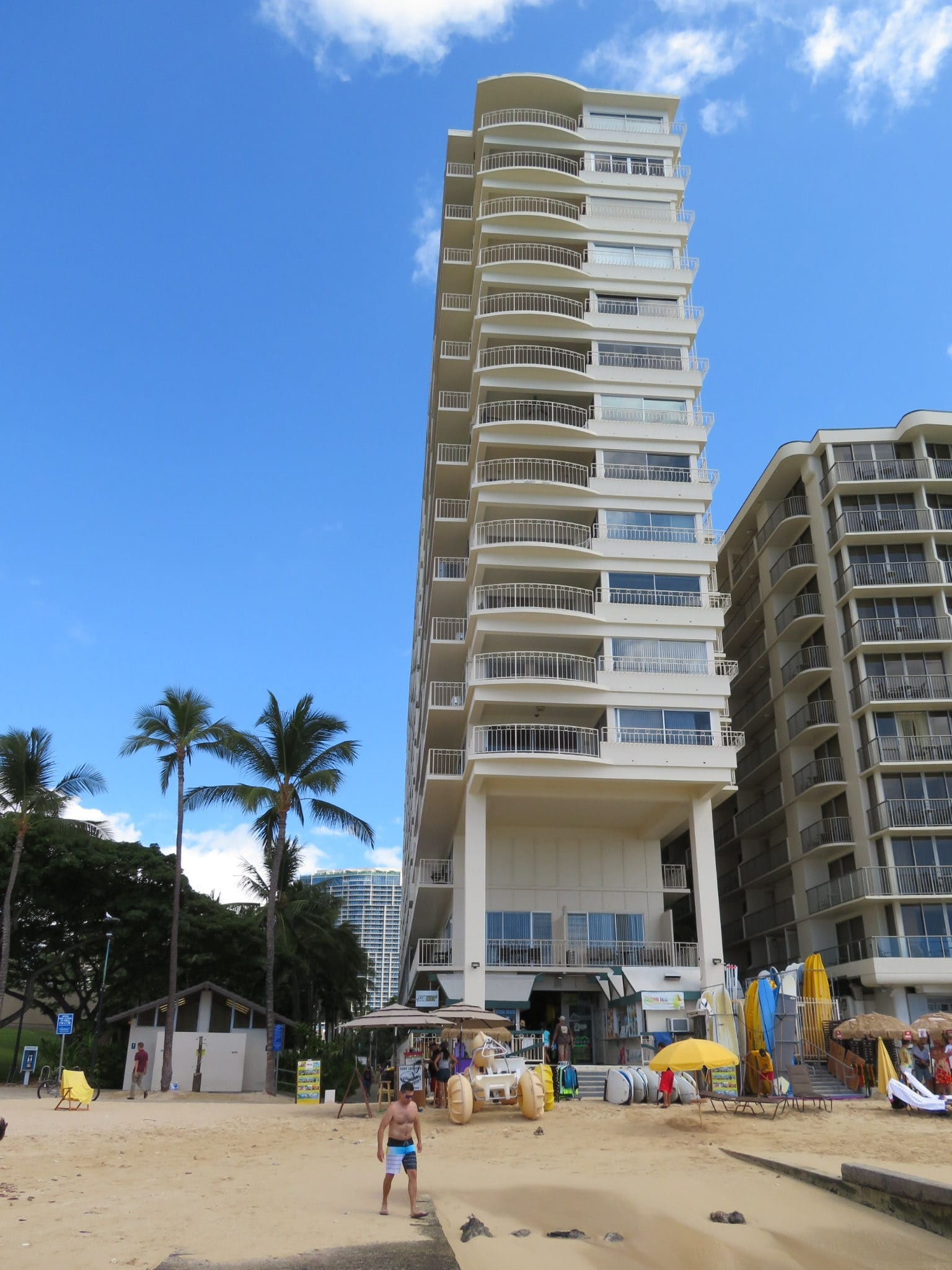 ワイキキ・ショア / Waikiki Shore