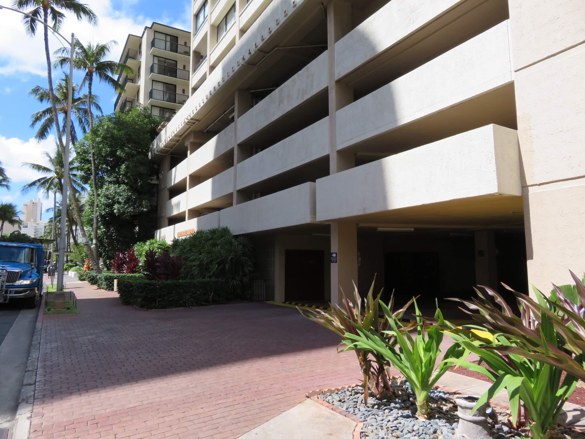 アロハ・タワーズ / Aloha Towers