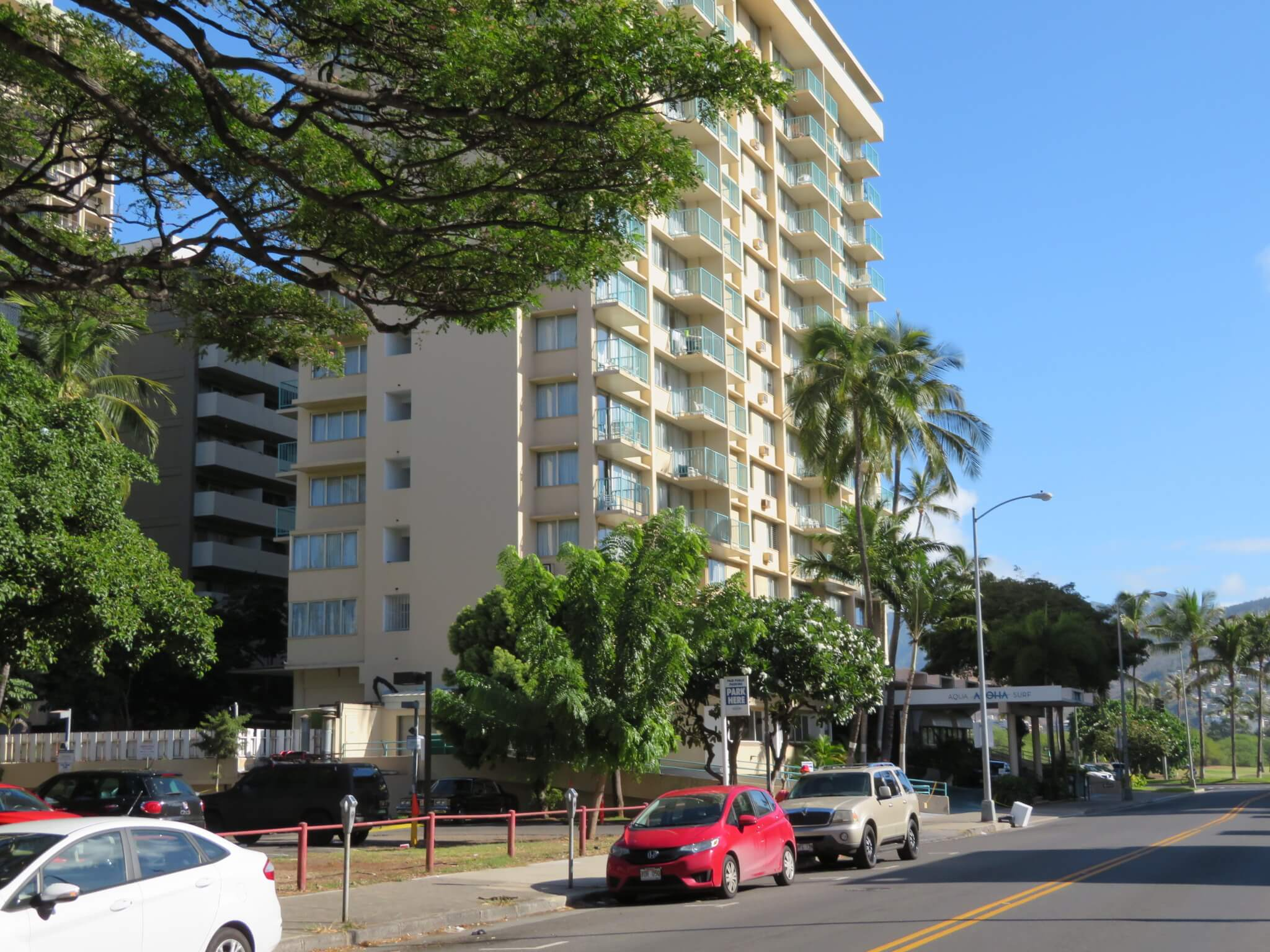 アロハ・サーフ / Aqua Aloha Surf Waikiki