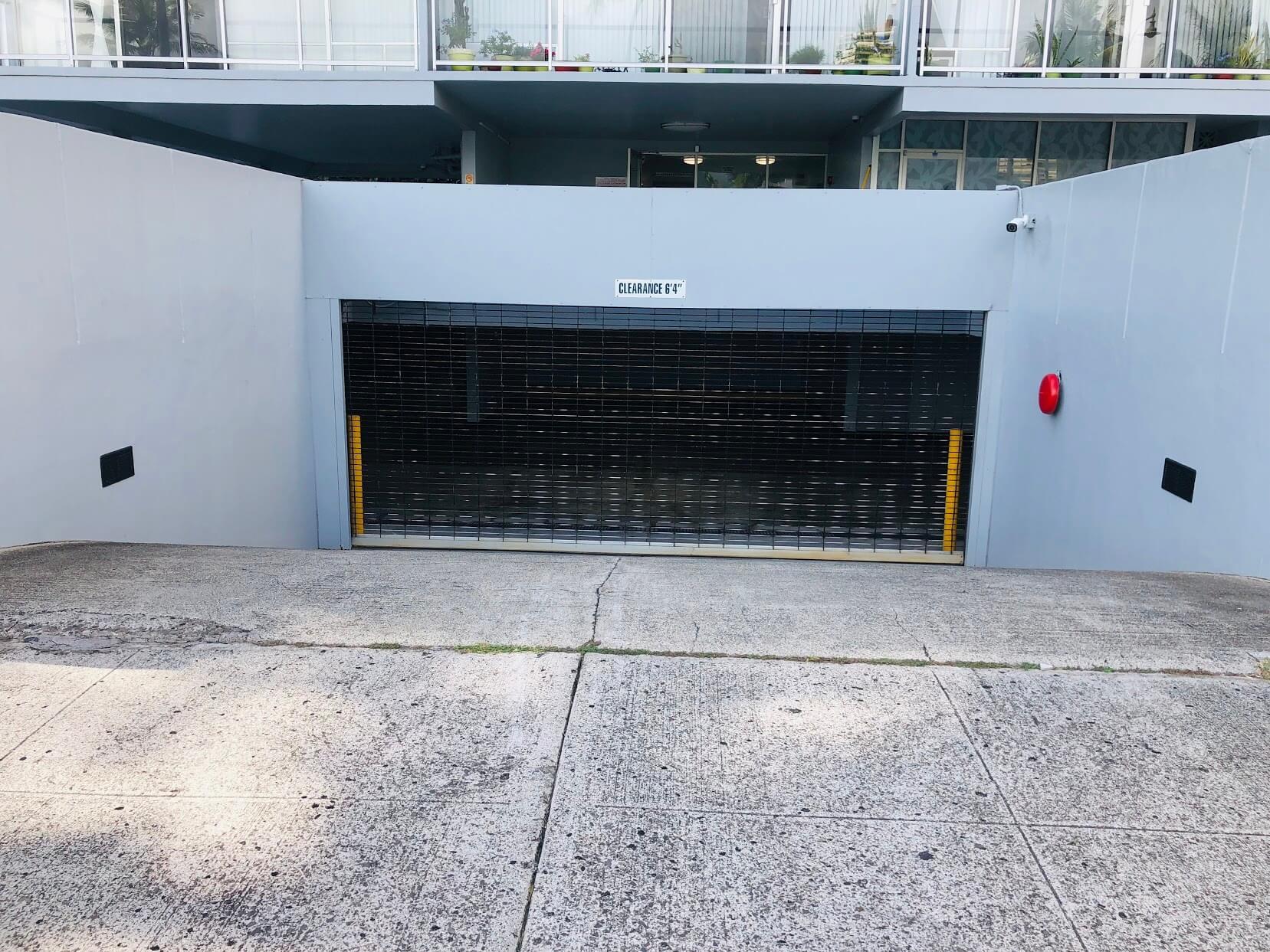 2233 Ala Waiの駐車場