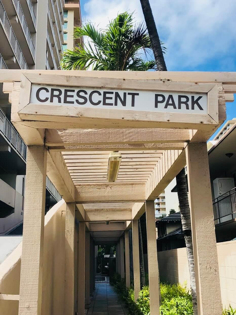 Crescent Parkのロゴ