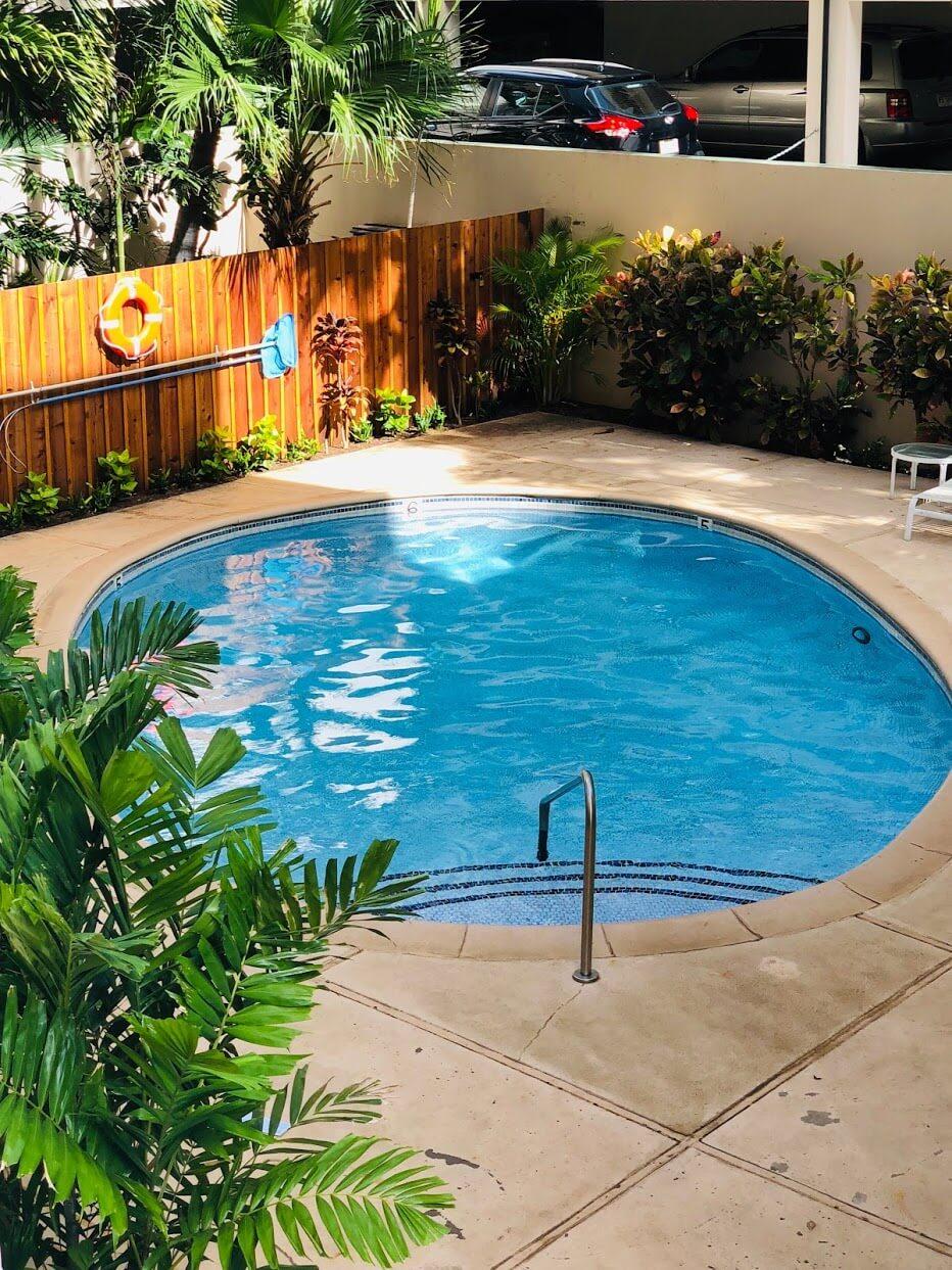 Hale Walinaのプール