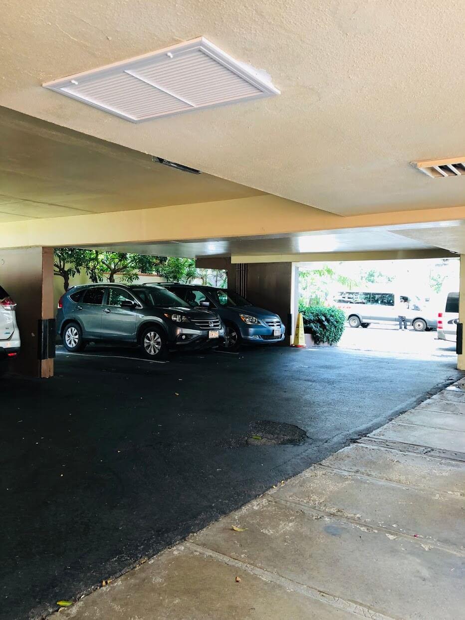 Hale Walinaの駐車場