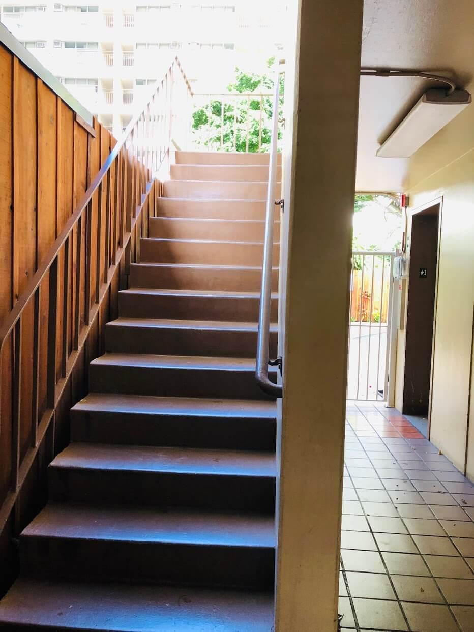 Hale Walinaの階段