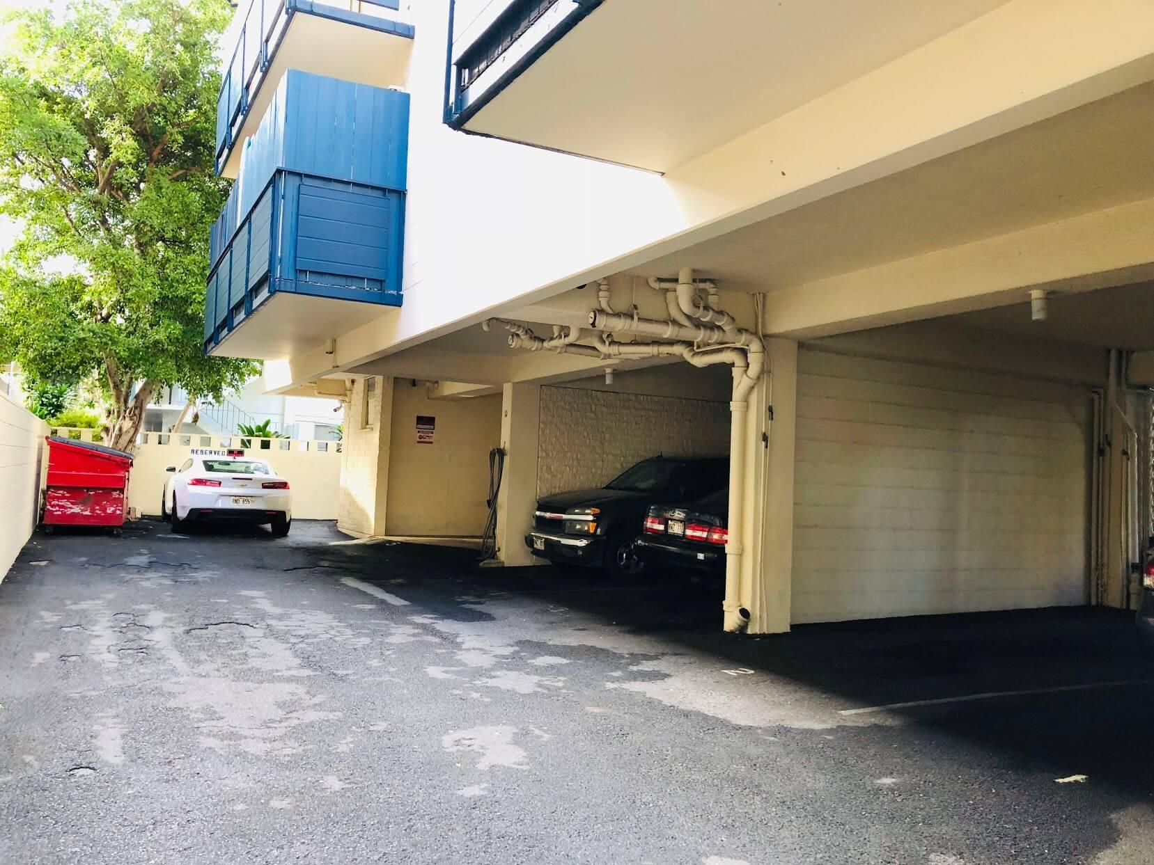 Namahana Terraceの駐車場