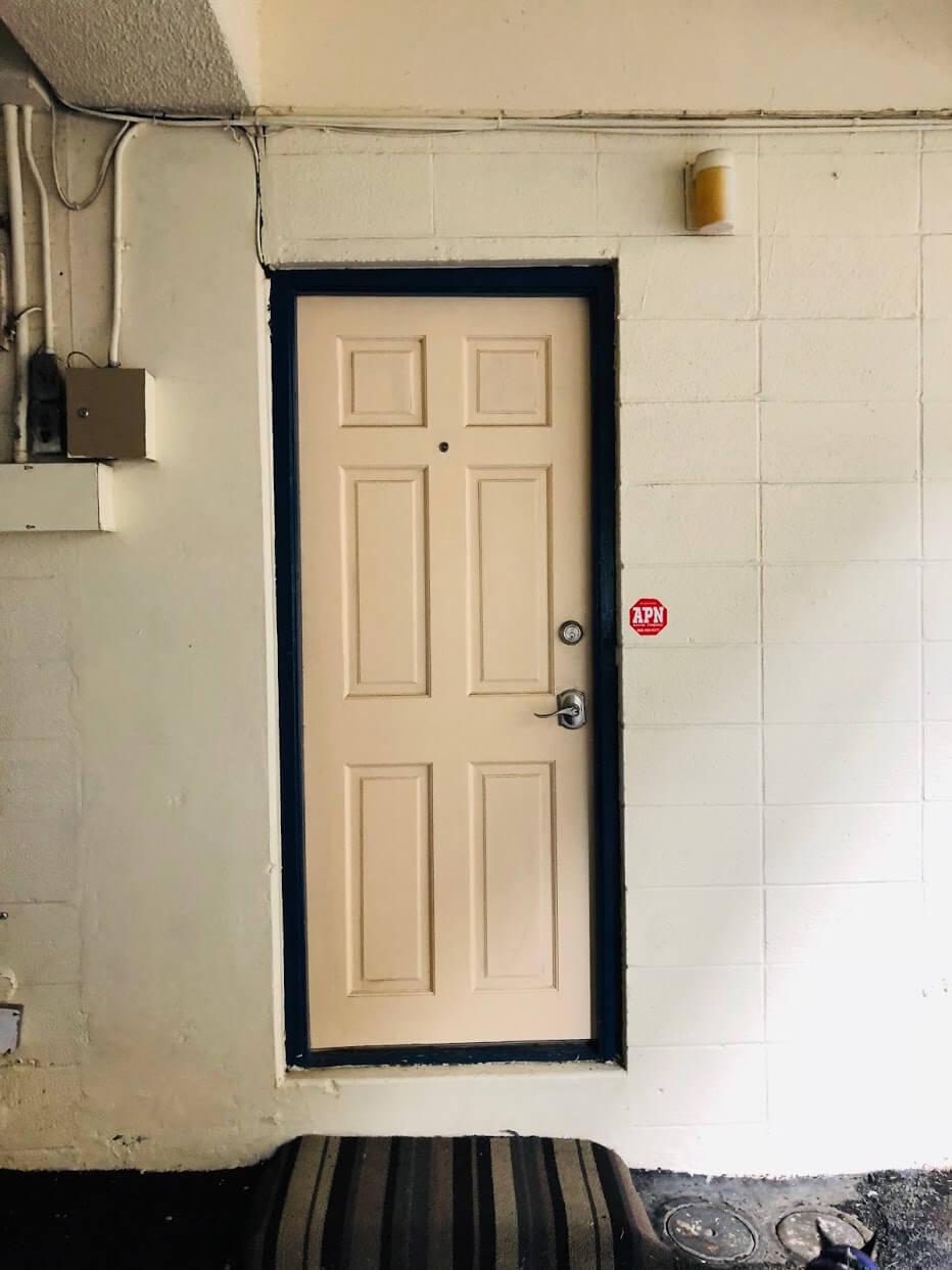 Namahana Terraceのドア