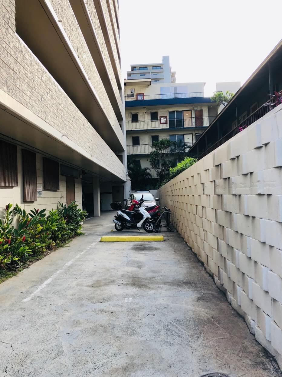 Regency Ala Waiの駐車場