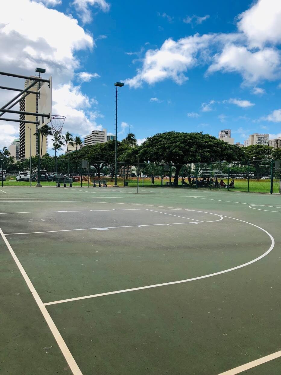 500 Ala Wai Plazaのバスケットコート