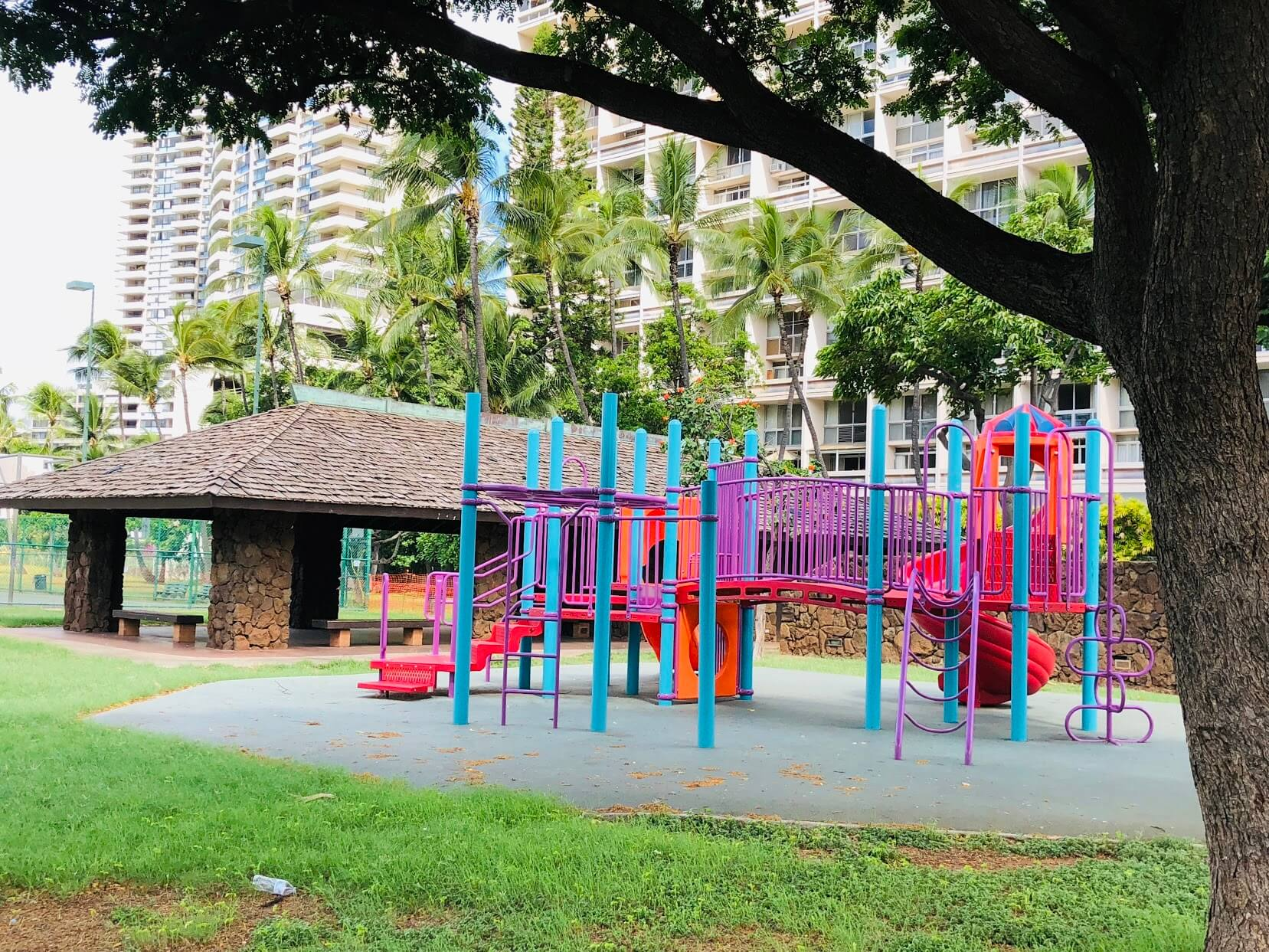 500 Ala Wai Plazaの遊び場
