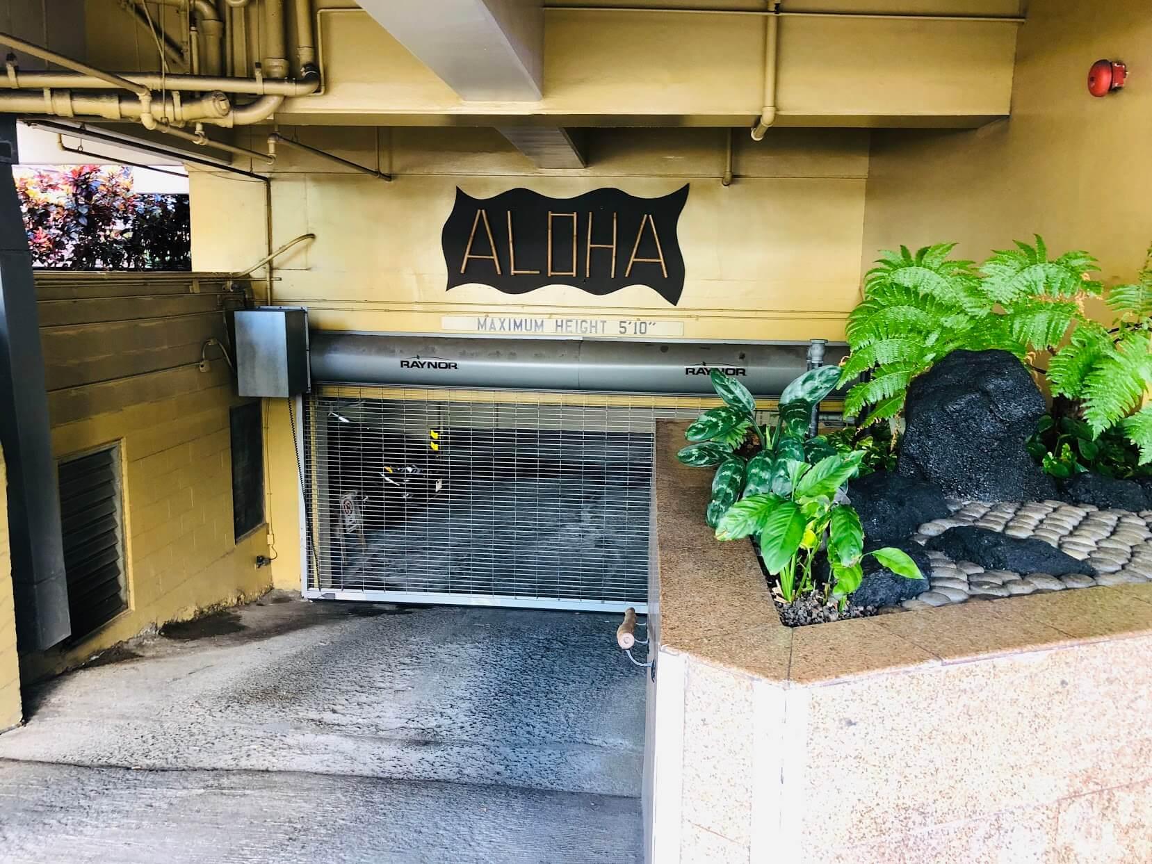 Bamboo Waikikiの駐車場