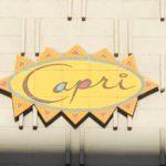 Capri Apartmentsの看板