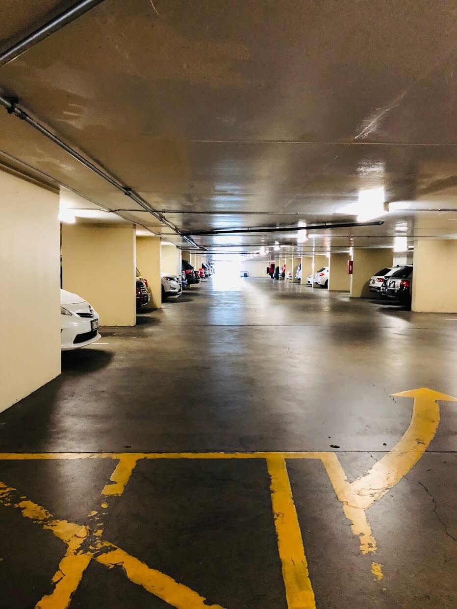 Colony Surfの駐車場