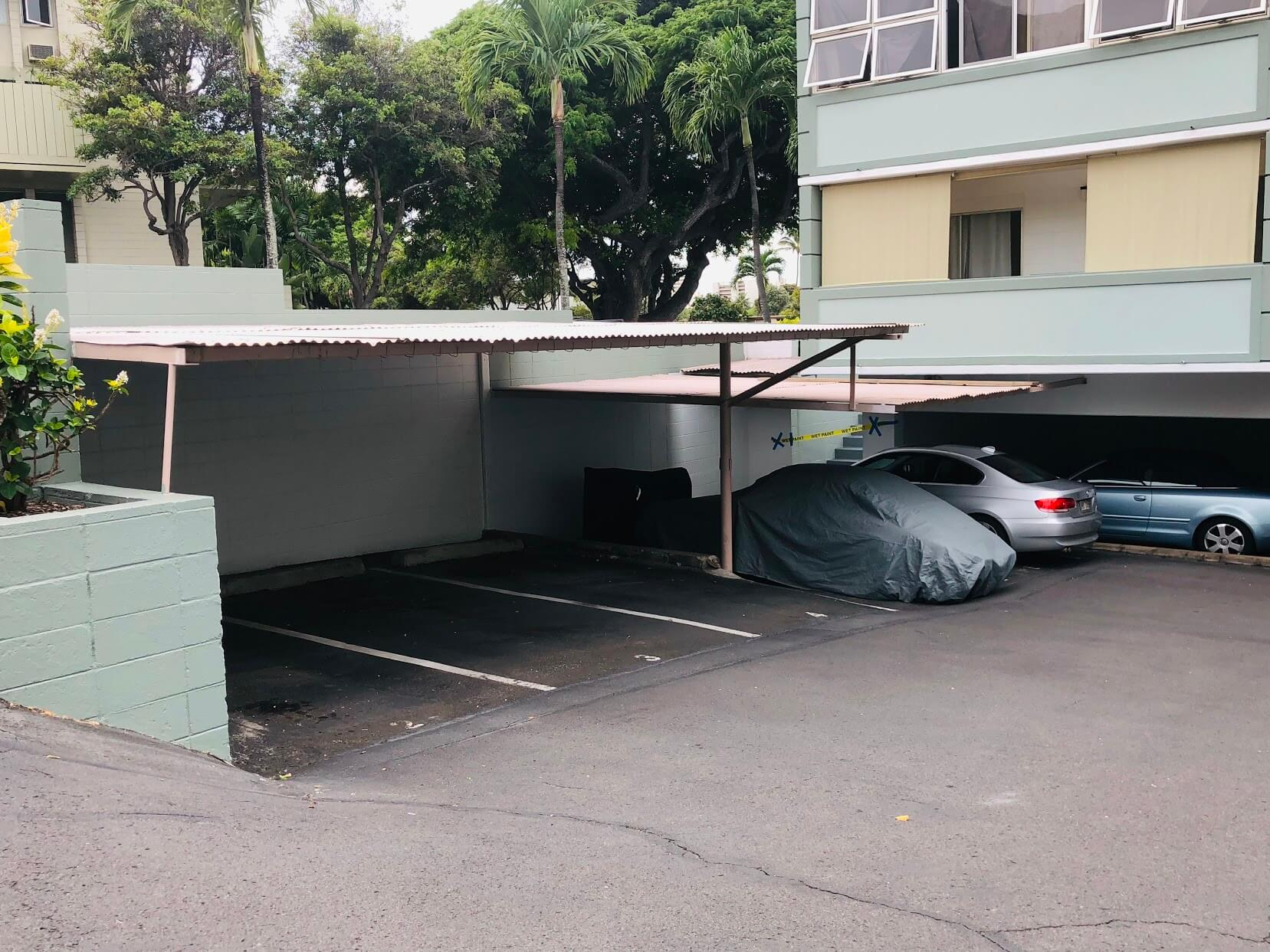 Hale Pua Leiの駐車場