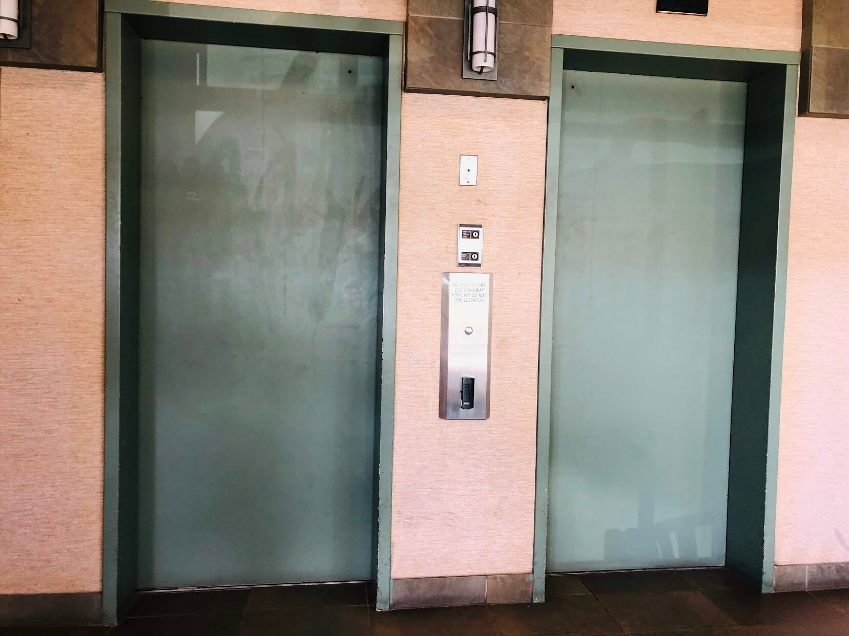 Iolani Regentのエレベーター