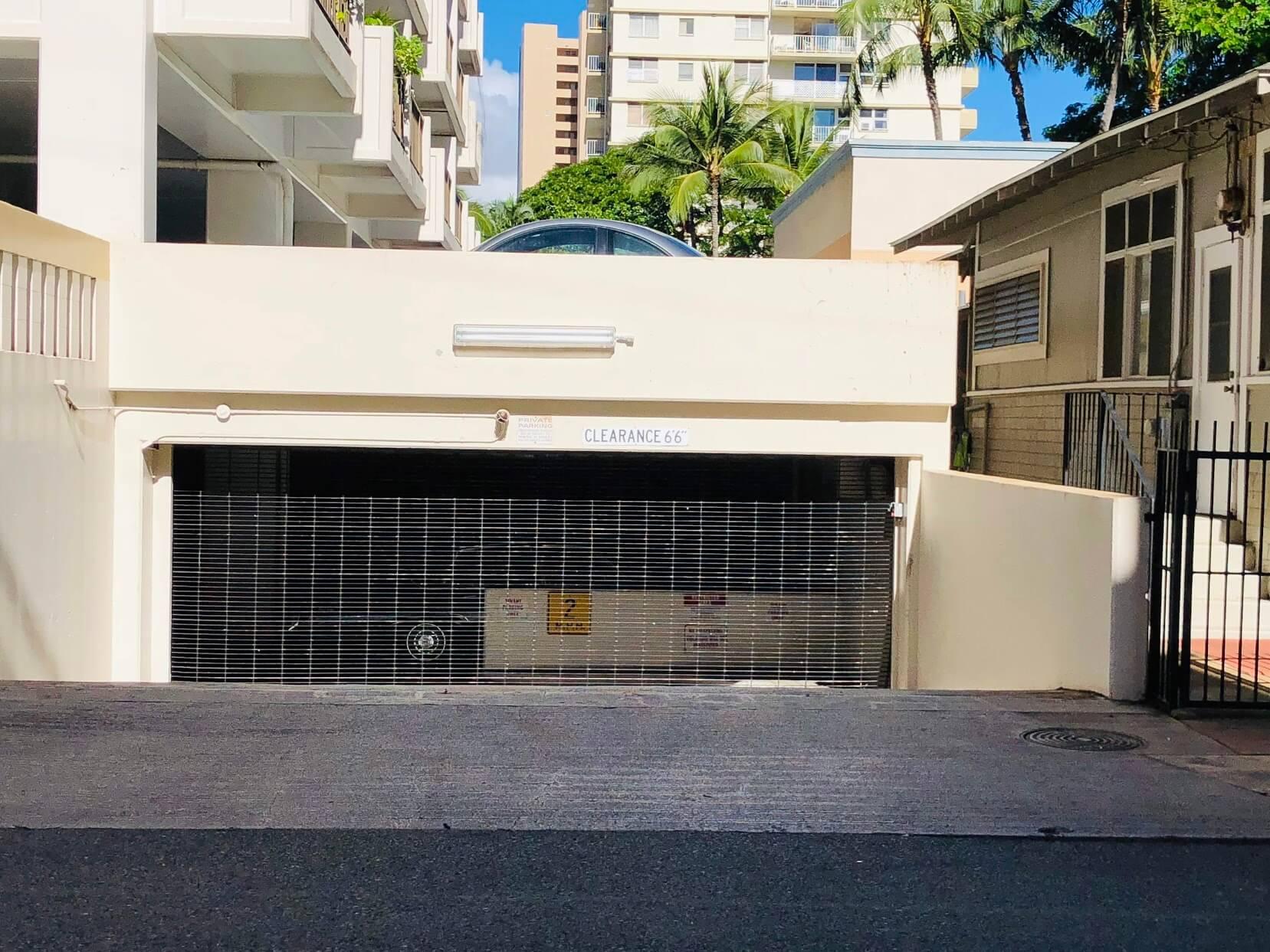 Kuhio At Waikikiの駐車場