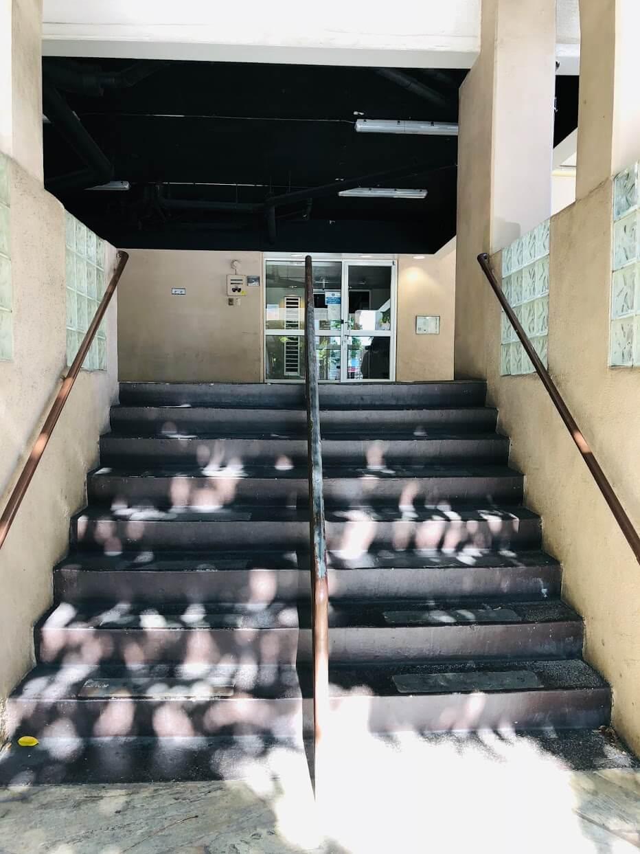 Kuhio Plazaの階段