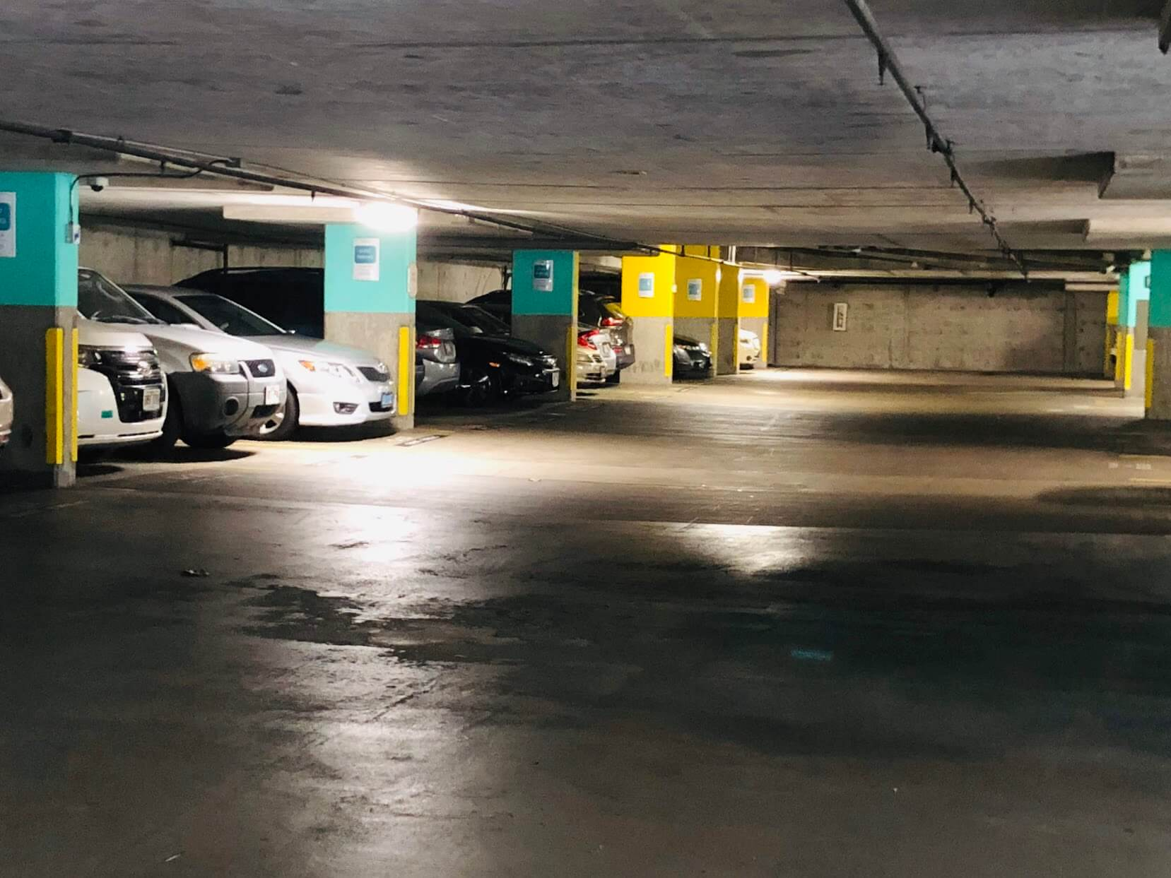 Nauru Towerの駐車場