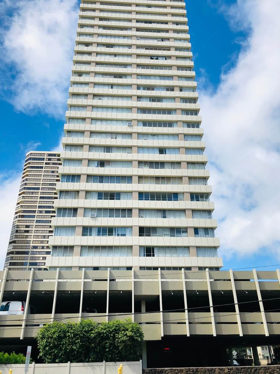 Regency Towerの外観