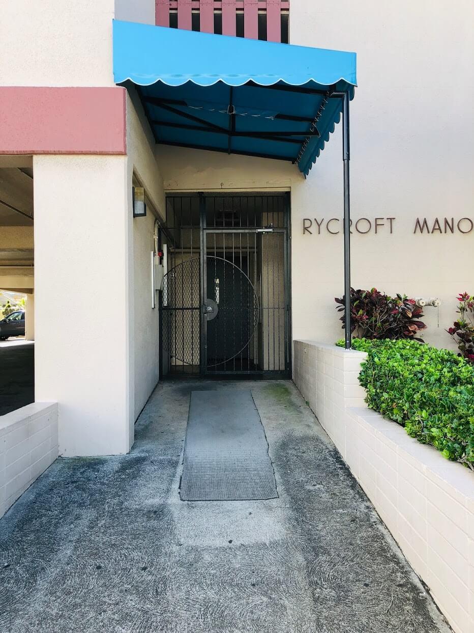 Rycroft Manorのエントランス