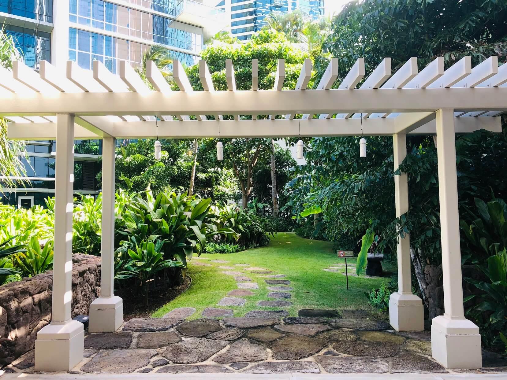 Waihonua at Kewaloの芝生