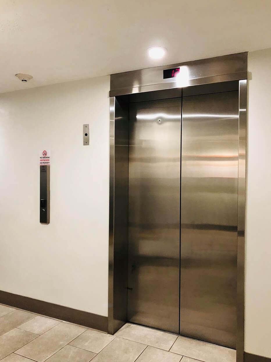 Waikiki Lanaisのエレベーター