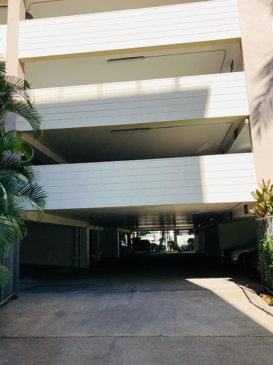 Waikiki Lanaisの駐車場