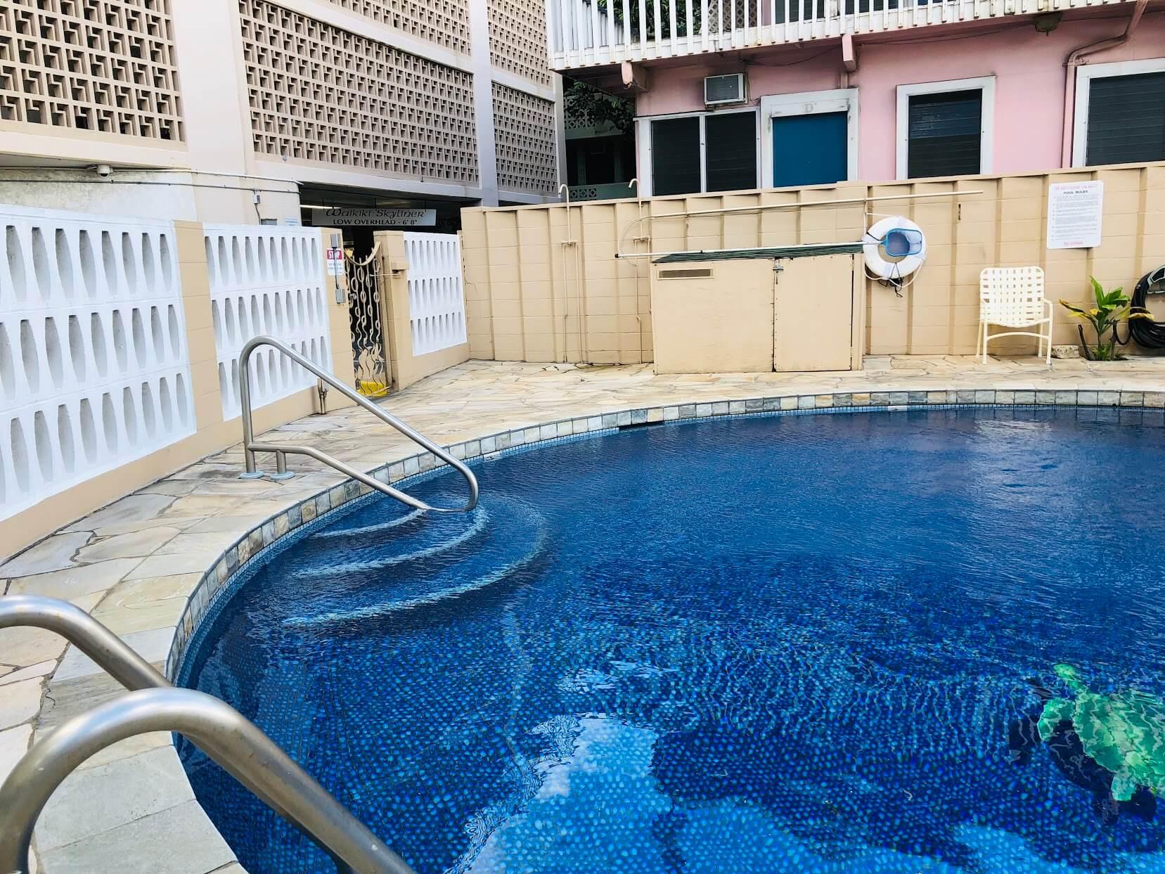 Waikiki Skylinerのプール