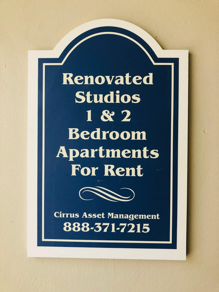 Walina Apartmentsの看板