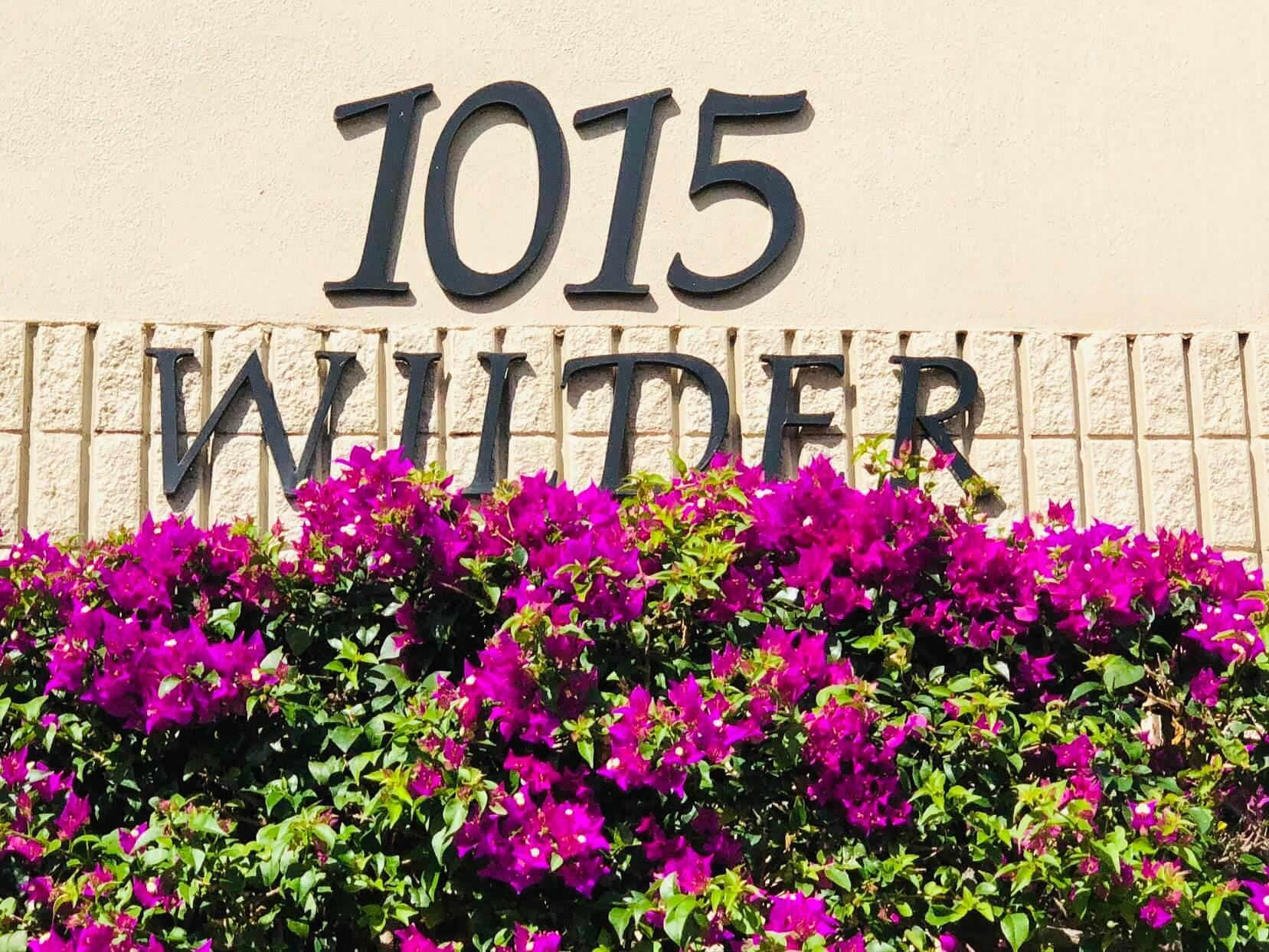 1015 Wilderの看板
