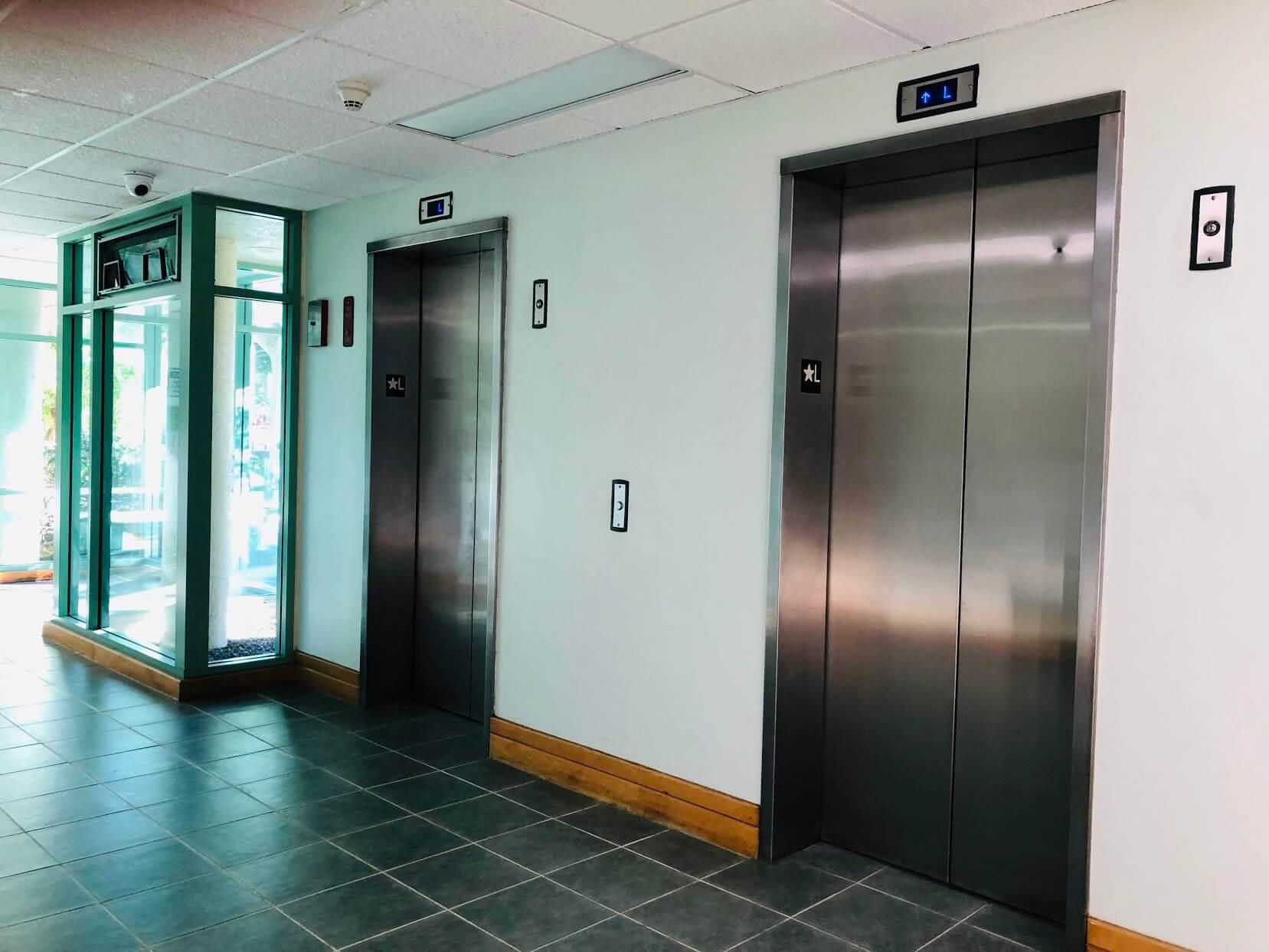 215 North Kingのエレベーター