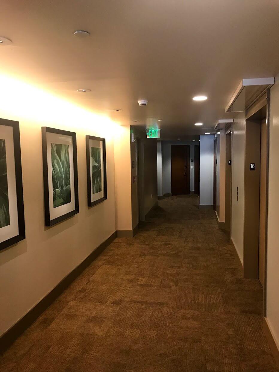 AllureWaikikiの廊下