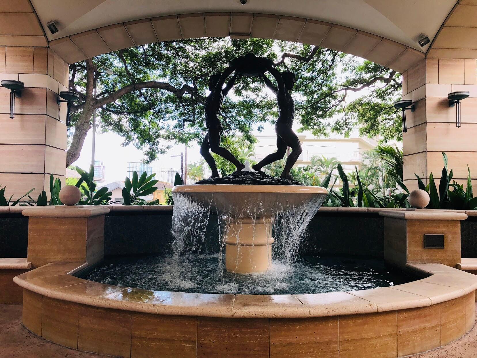 Courtyards at Punahouの噴水