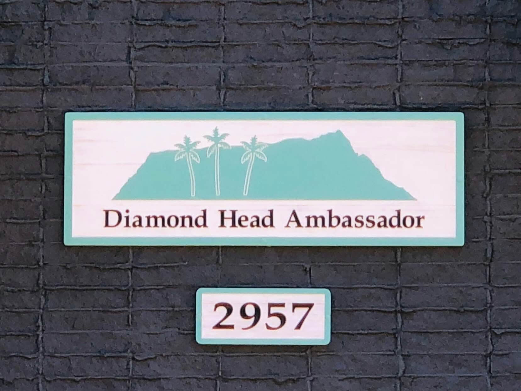 Diamond Head Ambassador 2957の看板