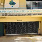 Diamond Head Beach Hotelの看板