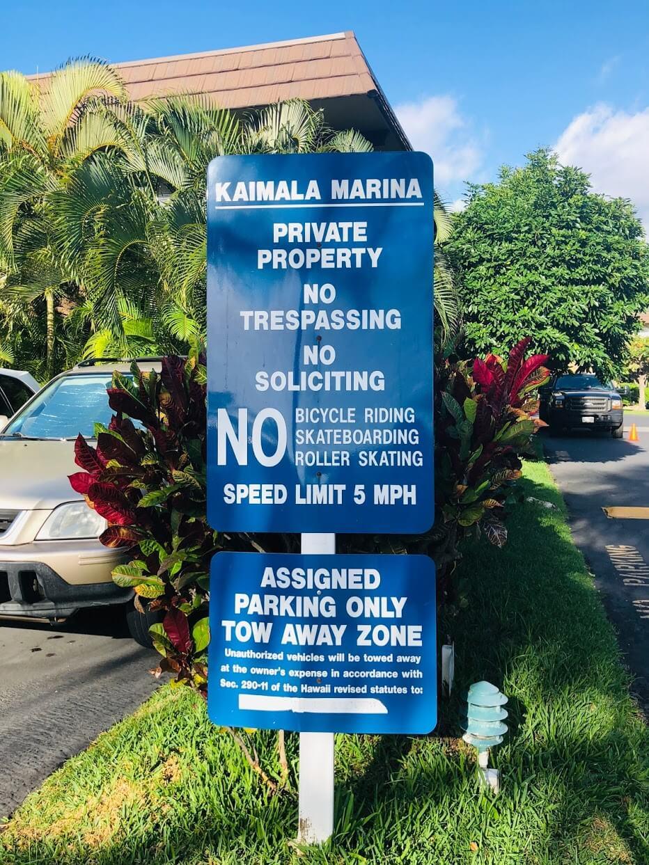 Kaimala Marinaの標識