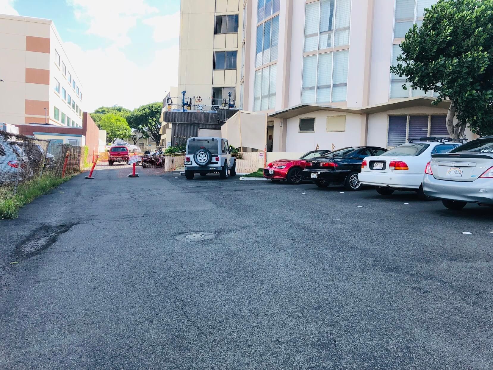 Kaimuki Jadeの駐車場