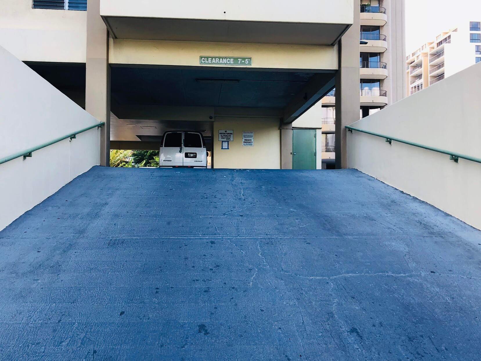 Kealaniの駐車場