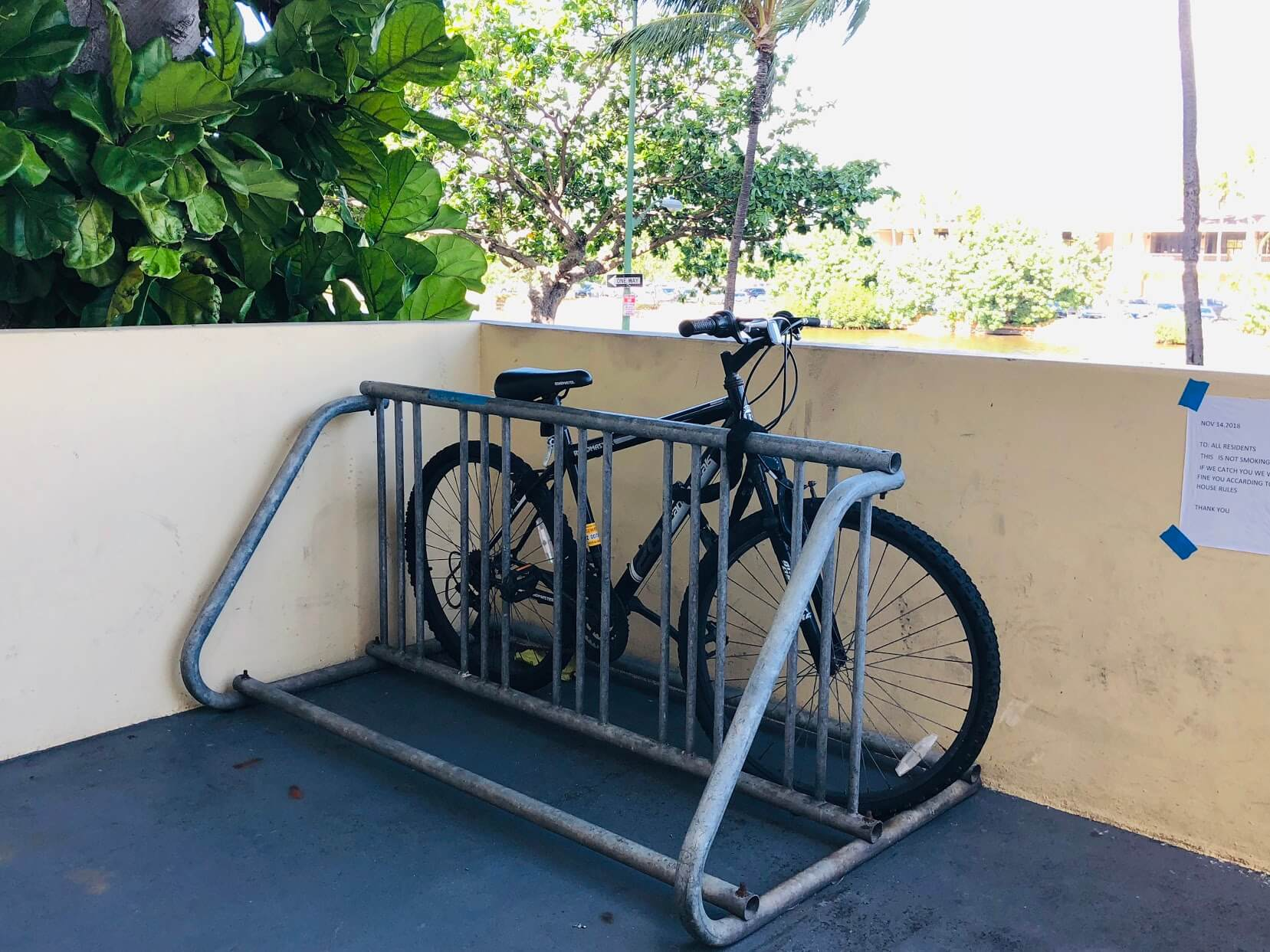 Kealaniの駐輪場