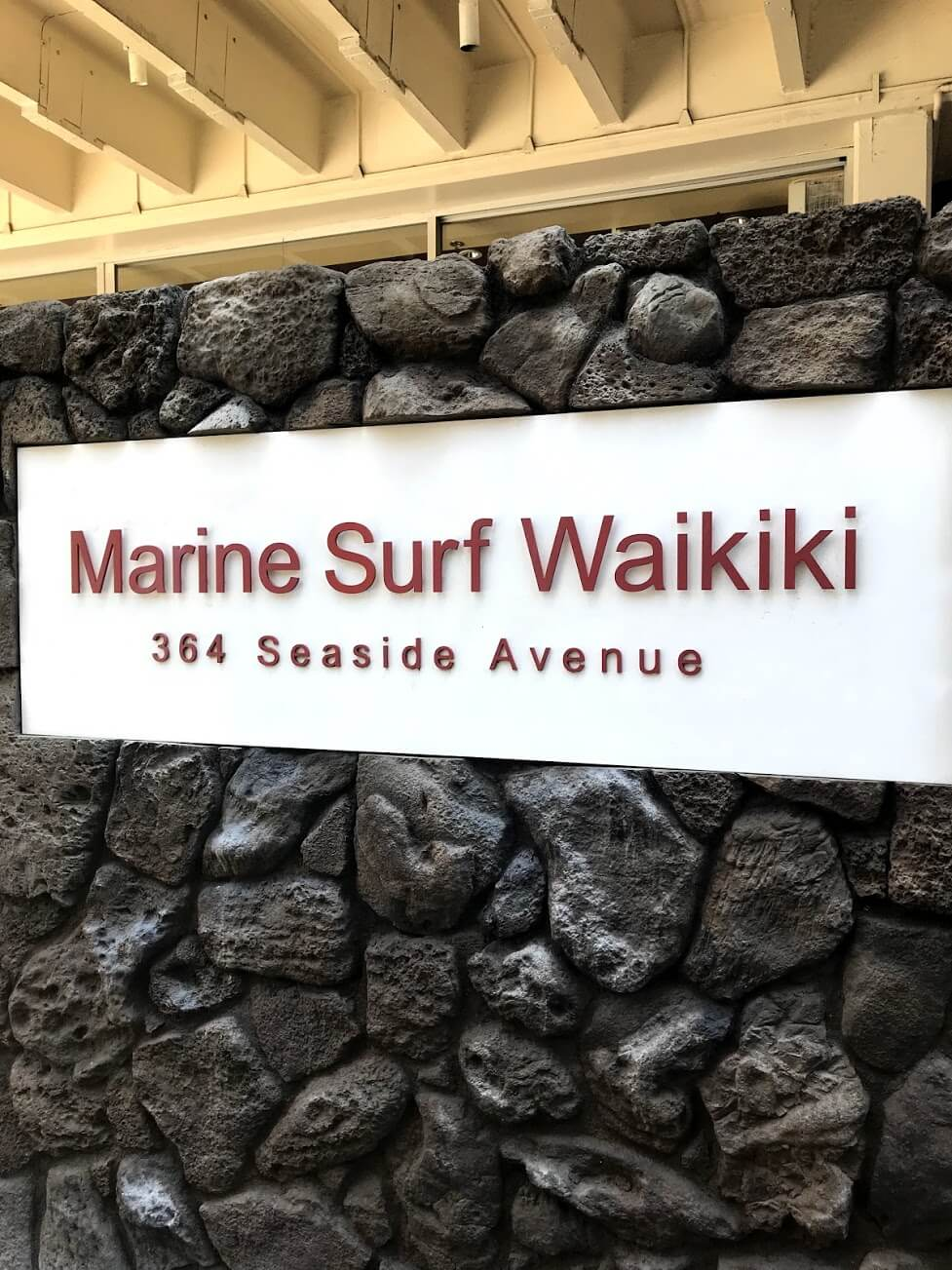 Marine Surf Waikikiの看板