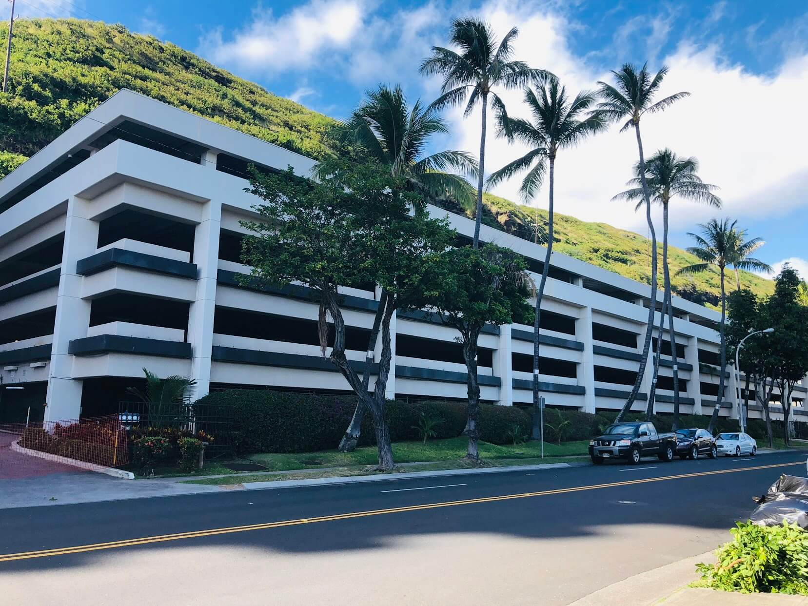 Mount Terraceの駐車場