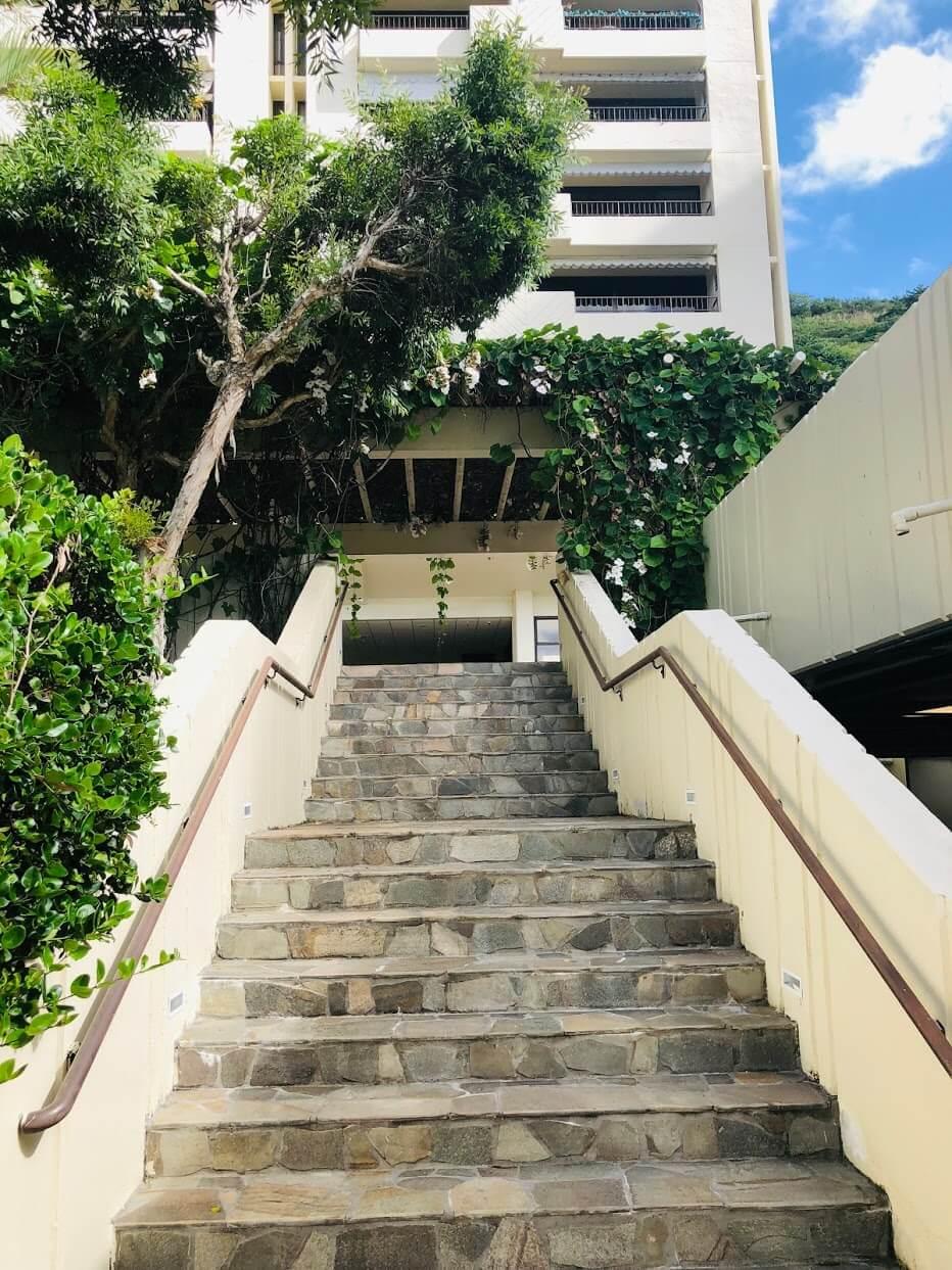 Naniwa Gardensの階段