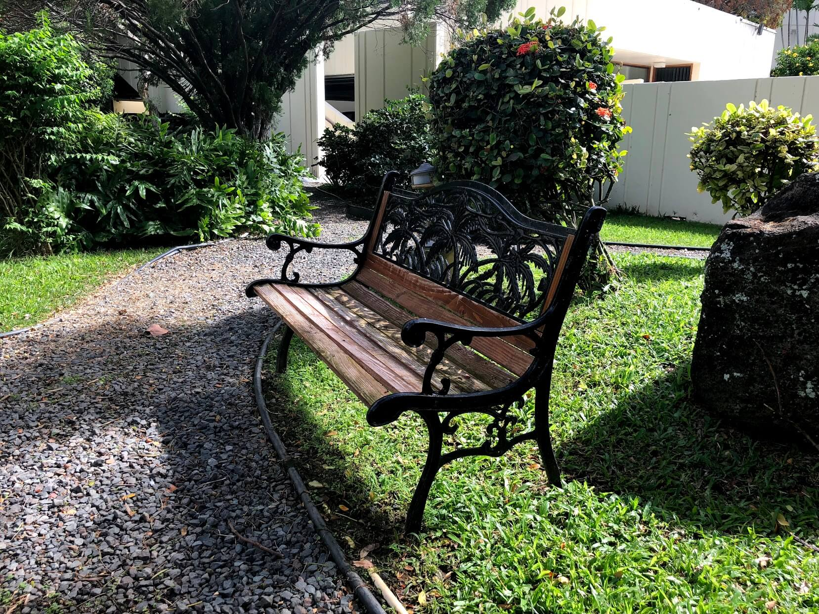 Naniwa Gardensのベンチ