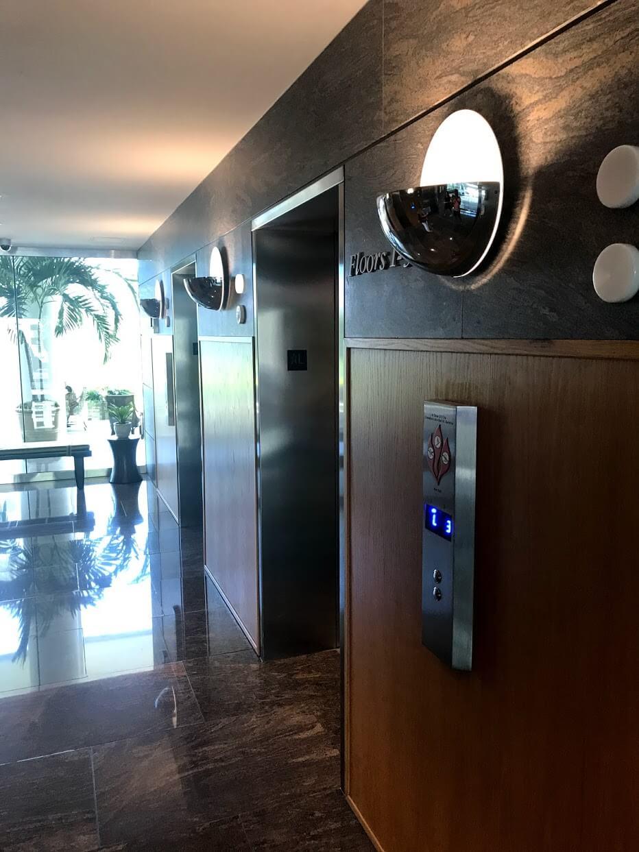 Nauru-Towerのエレベーター