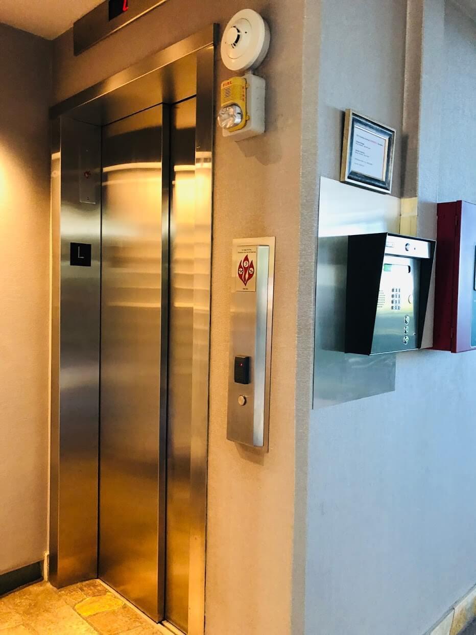 Oceanside Manorのエレベーター
