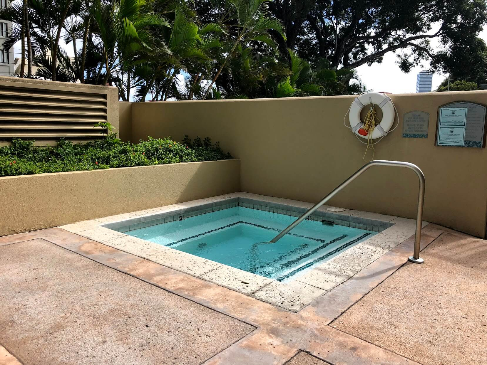 One Kalakauaのプール