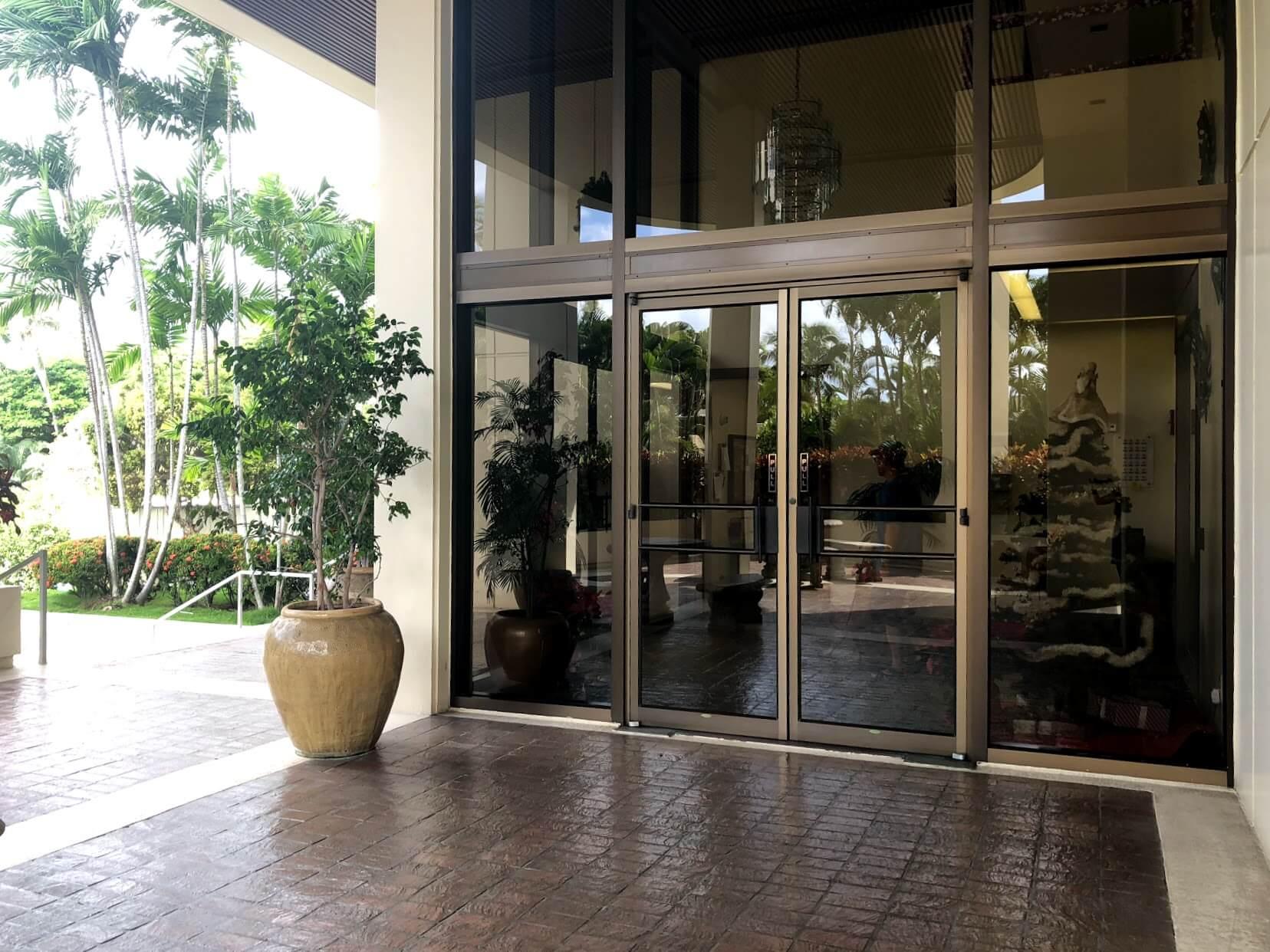 Plaza Hawaii Kai 6770のエントランス