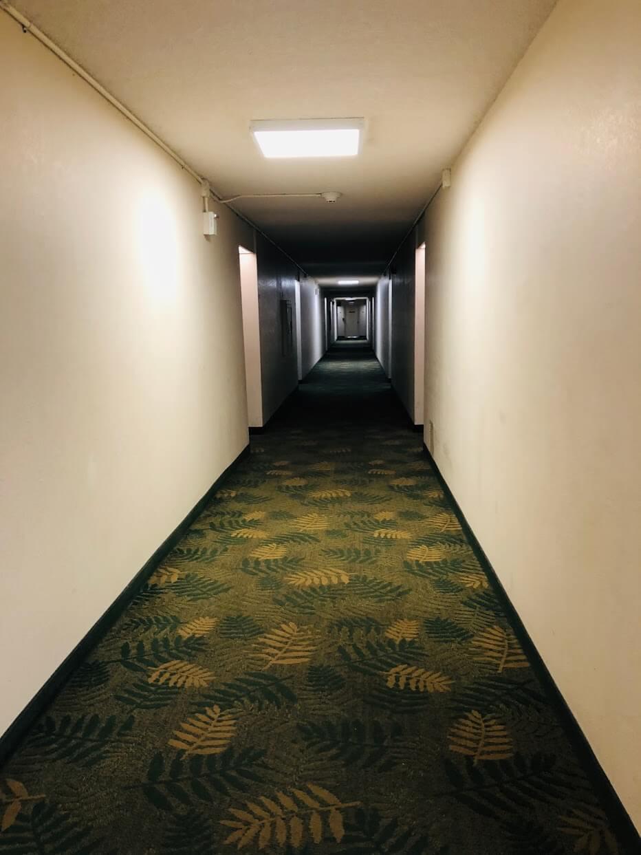 Regency Parkの廊下