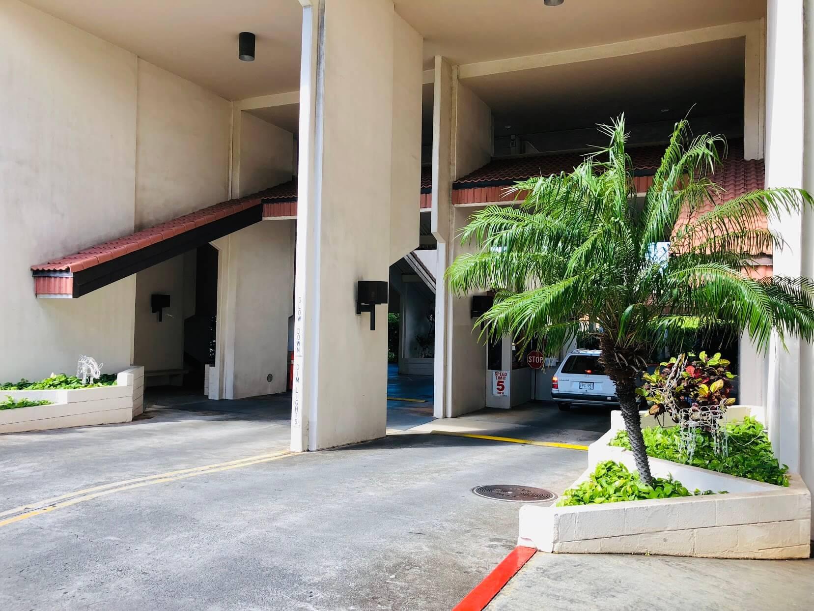 Regency Parkの駐車場