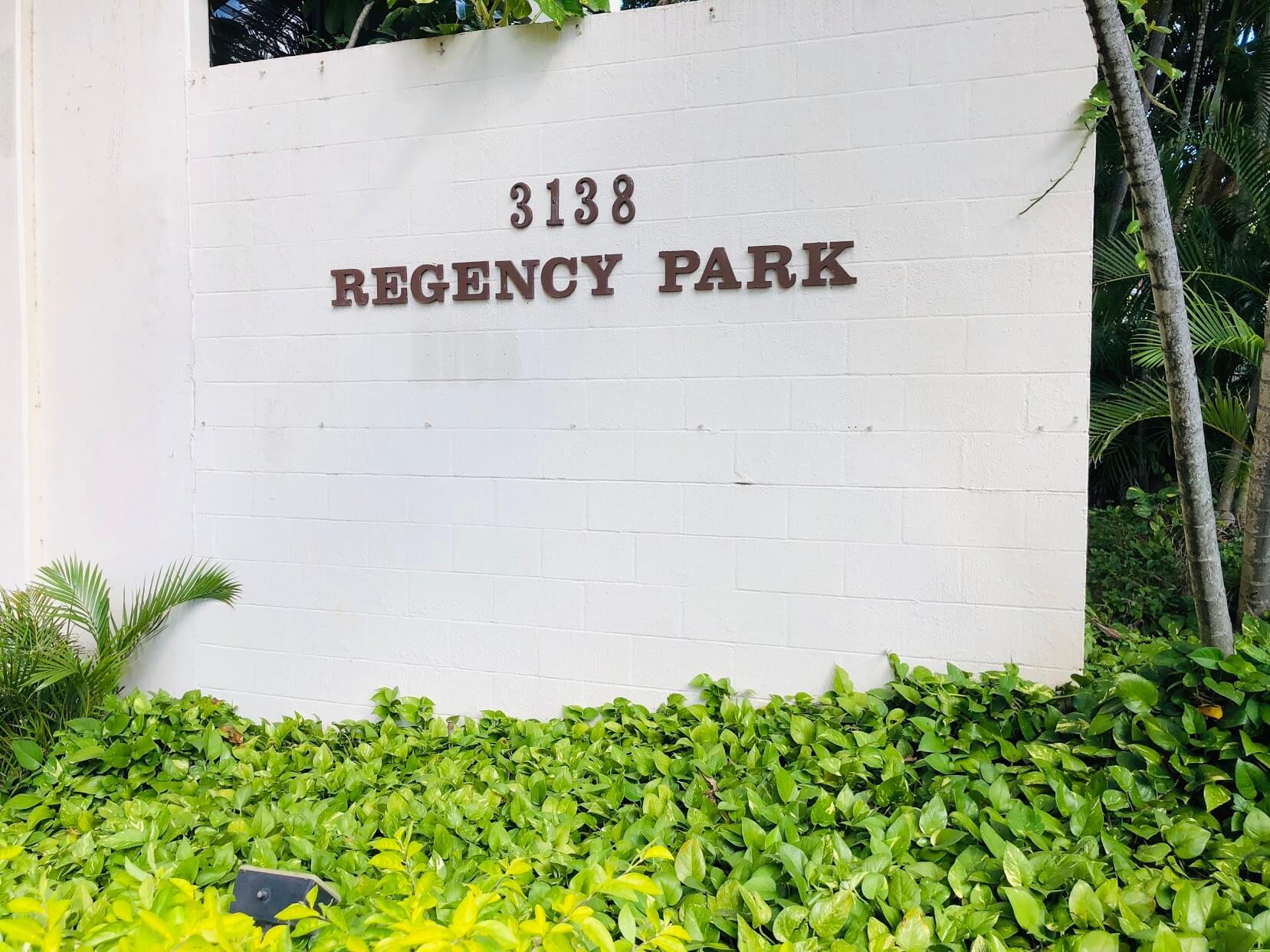 Regency Parkの看板