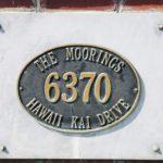 The Mooringsの看板